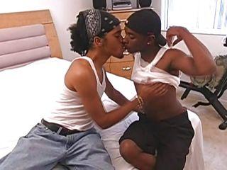 Порно фото геев в женском белье